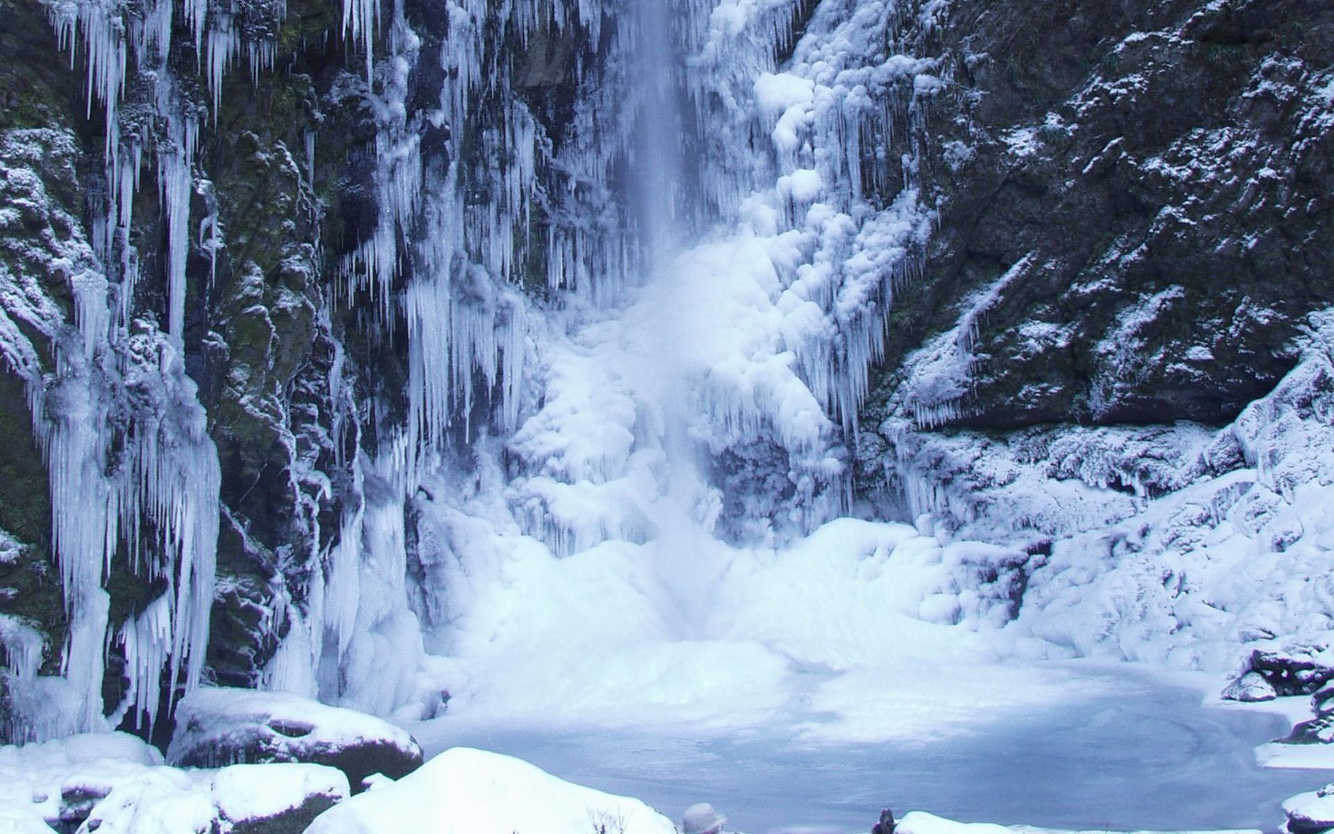神通滝氷瀑 1月